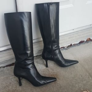 Stuart Weitzman leather pointed tow heeled boots
